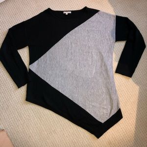 Asymmetrical Black and gray sweater Ladies